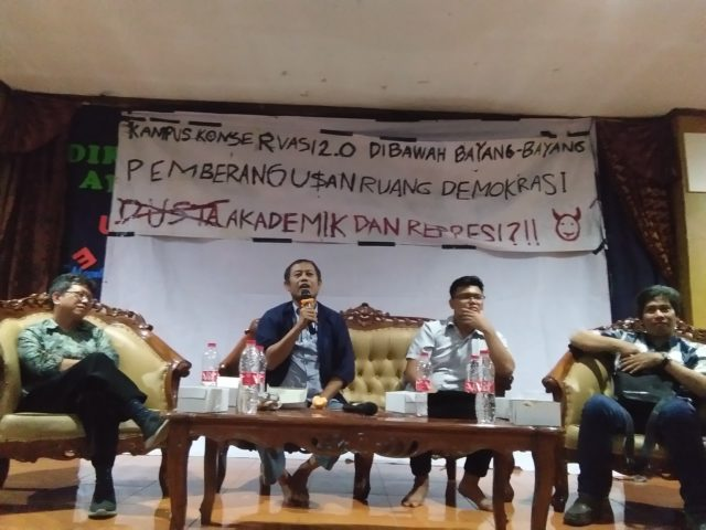 Rektor Unnes Tidak Hadir, Debat Akademik Diubah Jadi Diskusi Publik