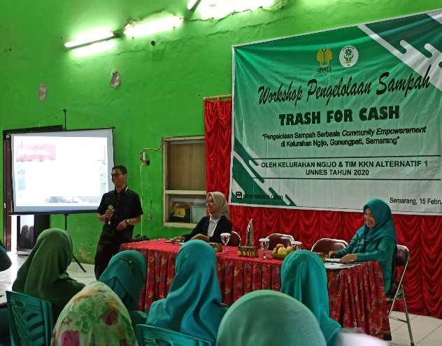 Foto Workshop Trash For Cash di Kelurahan Ngijo
