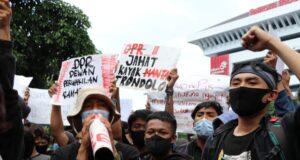 Massa Aksi Tolak Omnibus Law. [BP2M/Lalu]